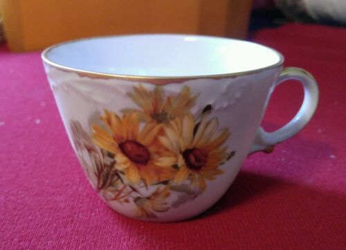 12 VTG/ANT. TEA CUPS DAISY FLORAL PATTERN handpainted artist C. Ed unique mint.