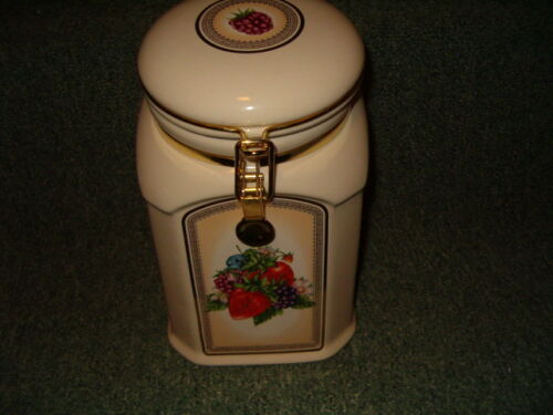 Ceramic canisters antiques us for Hearth and home designs canister set