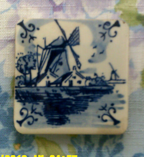 VINTAGE SMALL BLUE AND WIGHT DELFT TILE OF A WIND MILL