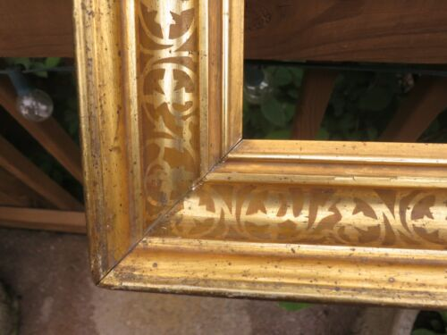 c1870 Large VICTORIAN AESTHETIC STENCIL COVE Gilded Deepwell Antique Frame