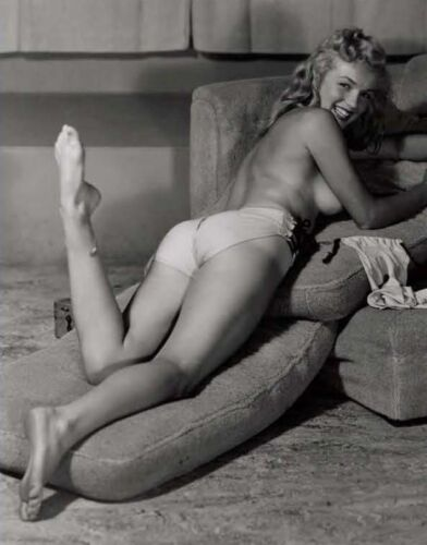Marilyn Monroe - Marilyn in an early modeling photo from the mid 1940's