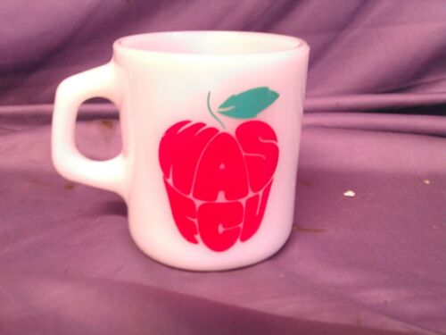 Vintage WAS FCU WASHINGTON FEDERAL CREDIT UNION MILK GLASS COFFEE MUG APPLE