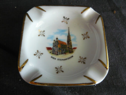 Vintage  WIEN STEPHANSDOM CATHEDRAL ASHTRAY AUSTRIA VIENNA NICE GOLD LEAF