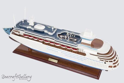 NEW PREMIUM MAJESTY OF THE SEAS Wooden Model Boat Cruise Ship 80cm Great Gift