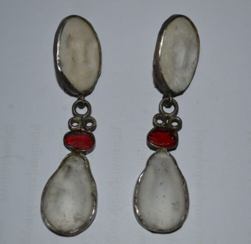 ANCIENT ROMAN SILVER  EARRINGS WITH MARBLE CAMEO AND GLASS CIRCA 400 AD