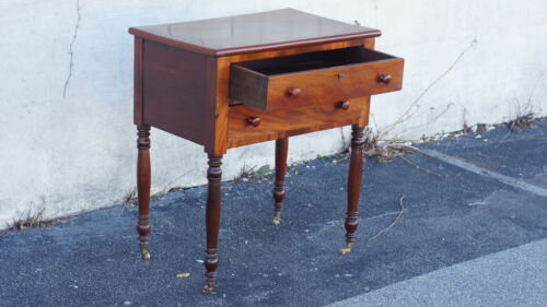 Mahogany 19th Century Federal Table good condition
