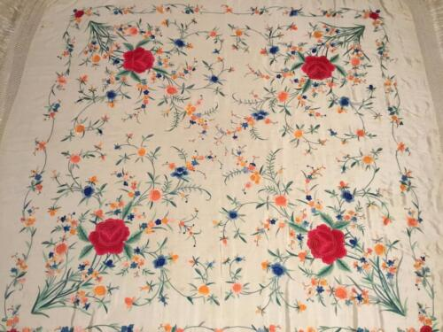 "BEAUTIFUL VINTAGE CHINESE CANTON EMBROIDERED SILK SHAWL EMBROIDERY, 50"" x 50""!"