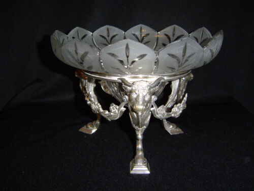 Silverplated Bowl Holder Decorated with the Heads of Bulls. Circa 1880
