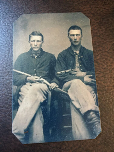 2 civil war US Soldiers with Pistol  and Military Rifle tintype C915RP