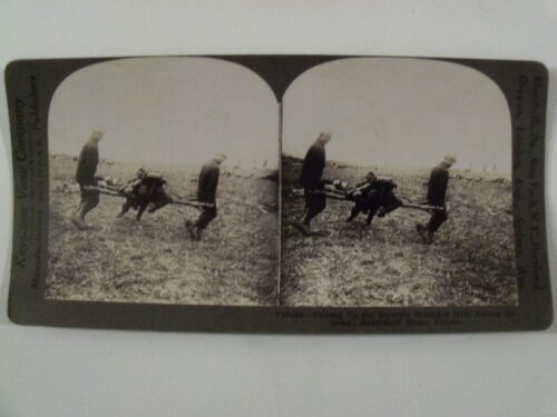 """WW1 """"RESCUING THE WOUNDED FROM AMONG THE DEAD BATTLE"""" KEYSTONE STEREOVIEW V18864"""