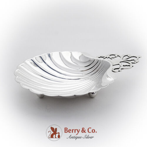 Colonial Revival Shell Dish Key Hole Handle International Sterling Silver 1940
