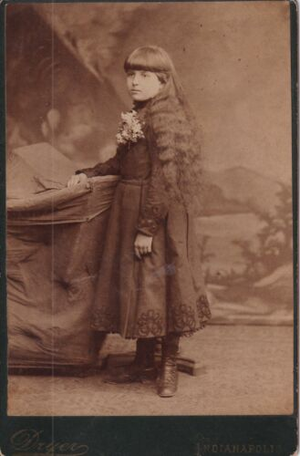 ANTIQUE CABINET CARD: PRETTY GIRL w/ LONG HAIR by DRYER, INDIANAPOLIS, IND-1884