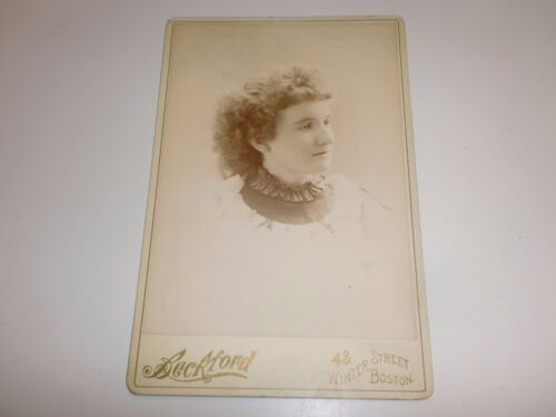 Victorian Antique Cabinet Card Photo of Pretty Young Woman