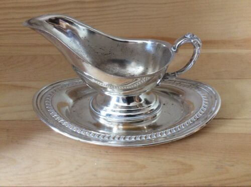 Vintage Silverplate Gravy Boat W/ Detached TRAY Saucer