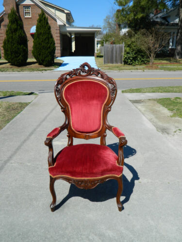 Large Solid Walnut Victorian Fancy Carved Parlor Chair