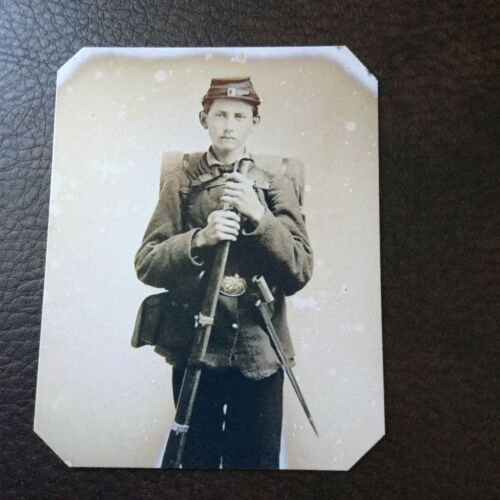 civil war Military Soldier With Rifle tintype C745RP