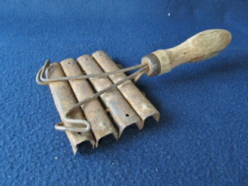 ANTIQUE OLD WOODEN HAND MADE 19`c METAL COMB FOR HORSES WITH HANDLE