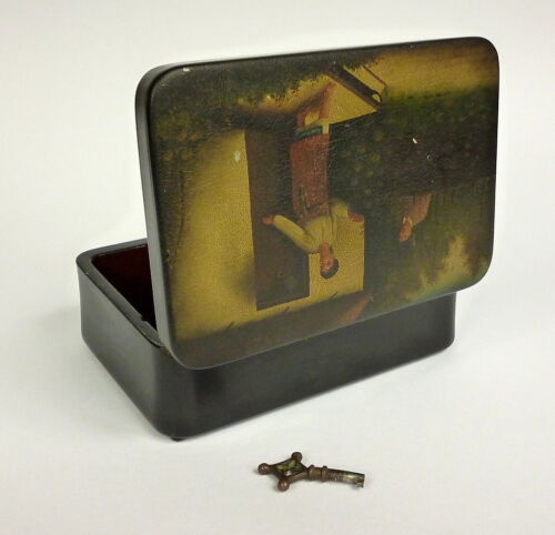 Lacquer Box with Key Papermache Russia Wishnyakov