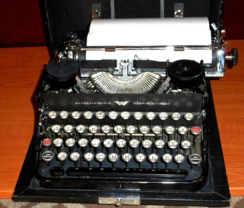 Typewriter 1930's vintage Continental Wonderful Standard  in Working Order.