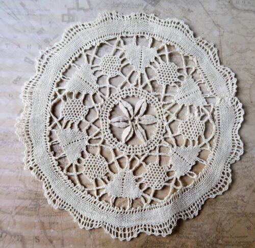 12.5cm Wide Hand Crafted Vintage Cream Cotton Lace Doyley
