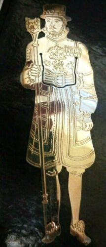 VINTAGE BRITISH HERITAGE SILVER PLATED BOOKMARK OF A TOWER OF LONDON BEEFEATER