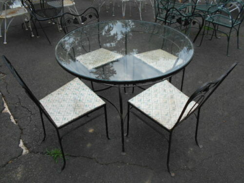 """Fancy SALTERINI Wrought Iron 40"""" Round Glasstop Table w/4 Matched Chairs"""