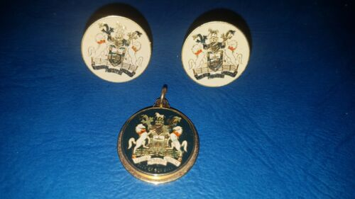 """RARE Vintage """"City of Box Hill"""" Cufflinks And Pendant In Excellent Condition"""