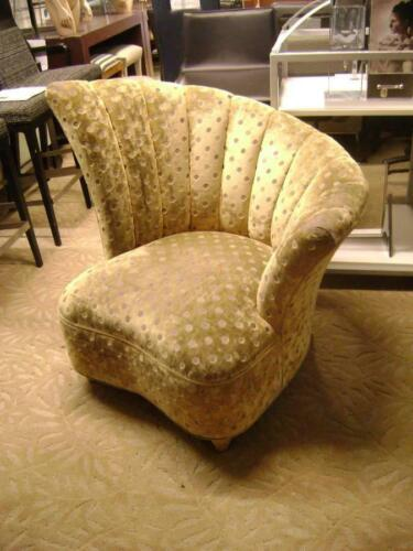 RETRO HOLLYWOOD REGENCY CLAM SHELL FAN BACK ACCENT CHAIR