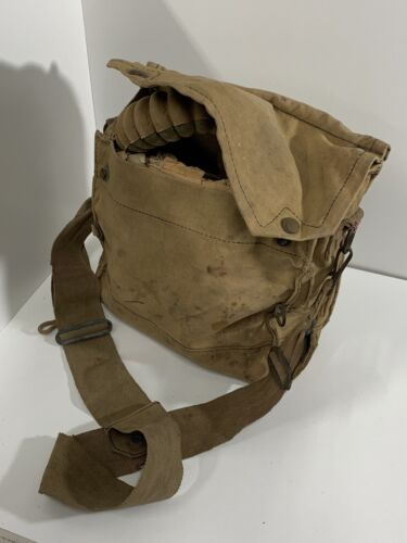 WW11 COMPLETE AUSTRALIAN ISSUED GAS MASK AND CARRY BAG 19391939 - 1945 (WWII) - 13977