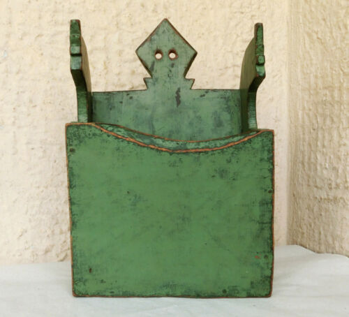 VTG Antique primitive Wooden Treen Old Hanging Wall Box Lovely Tree Green Paint