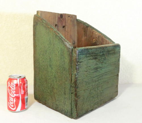 "13+"" Antique primitive Rustic Kitchen Wooden Hanging Wall Box Lovely Green paint"