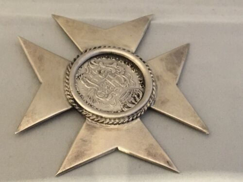 Silver Maltese Cross inset with Emmanuel Pinto Order of Malta coin