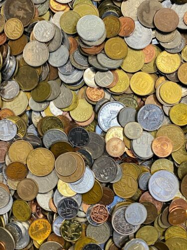 """CB565b) World mixed coins, unsorted. Contains a % of """"Holiday change"""" 200g."""