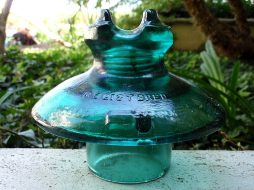 CD 321 REGISTERED EMERALD TRADEMARK PATENTED 1890 Cabletop Glass Power Insulator