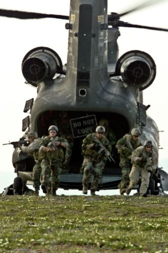 Aviation SEAL Team 8 and French commandoes CH-46D Sea Knight