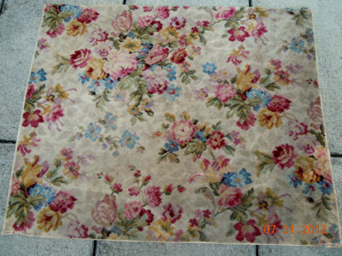 """BEST VINTAGE FRENCH FLORAL BOUQUETS  42 1/4"""" x 51 1/2""""  WOOl RUG"""