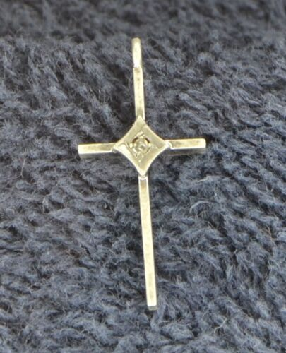 """Sterling Silver ~0.6 grams Simple Silver Bars Cross with Small """"Diamond"""" Pendant"""