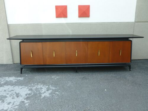 IMPORTANT FUTURISTIC  ITALIAN  MID CENTURY MODERN SIDEBOARD MANNER GIO PONTI  P