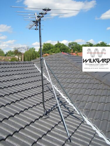Tile or Iron Roof Tripod TV  or weather station  Antenna Mount +1.8 m Pole.