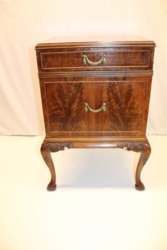 Darling English Chippendale Carved Walnut Commode Nightstand Bedside, c. 1930