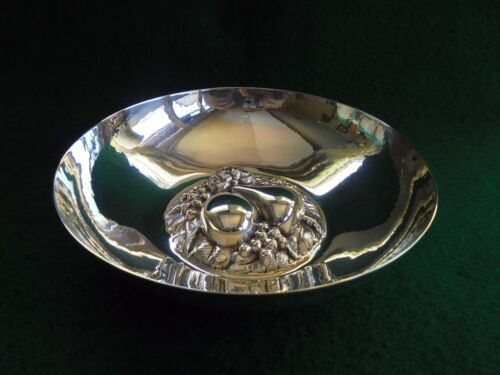 VINTAGE ENGLISH WHITEHILL HAND BEATEN SILVER PLATED HIGH RELIEF FRUIT BOWL