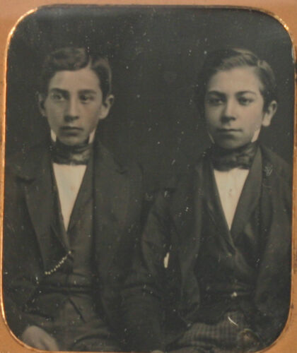 YOUNG BROTHERS, HANDSOME. TINTED DAGUERREOTYPE, 6TH PLATE FULL CASE.