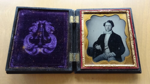 1/6 Plate 2-3/4 x 3-1/4 Ambrotype Gentleman Tinted Union Case EXC condition!