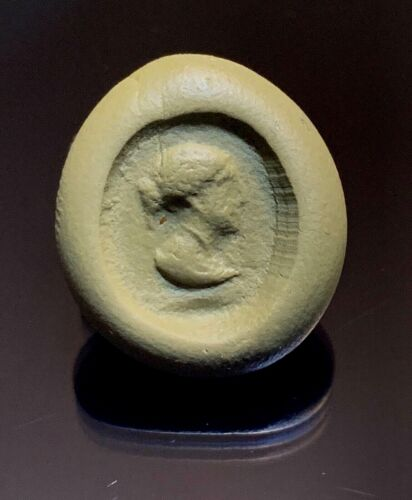 ANCIENT ROMAN BRONZE RING BEZEL WITH THE BUST OF A FEMALE 100 BC - 200 AD!