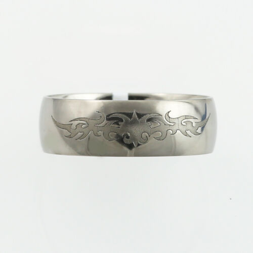 Titanium Ring (7mm) with etched patter on top.