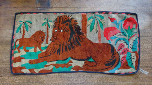 Authentic antique E.S. Frost Pattern Lions with Palms hooked rug, 30 x 60 inches