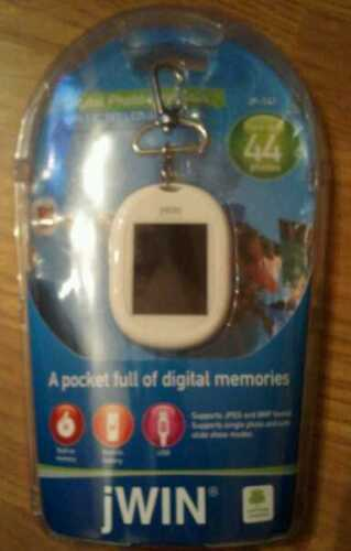 "NEW jWIN Digital Photo Keychain Holds 44 Pictures 1.8"" LCD TFT Color Display"