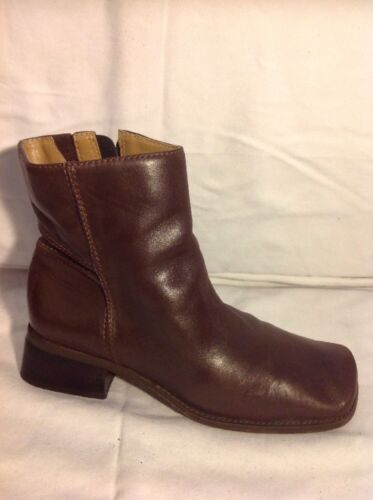 Easy Spirit Brown Ankle Leather Boots Size 6.5