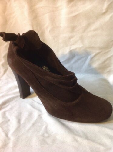 Chilli Pepper Brown Ankle Suede Boots Size 6