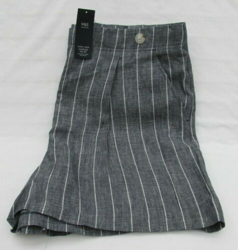LADIES MARKS AND SPENCER NAVY AND WHITE STRIPED PURE LINEN SHORTS SIZE 20